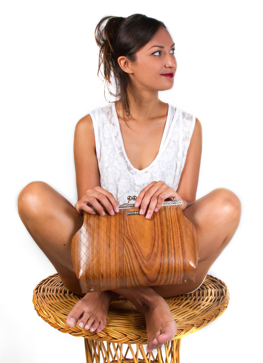 Fuscra eco-friendly clutches and purse to Love